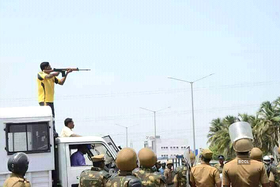Image result for tn police marching 18 at tuticorin